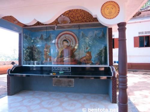 Budda und der blaue Mönch