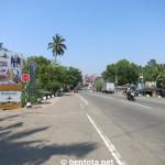Aluthgama von Bentota kommend - Ortseinfahrt