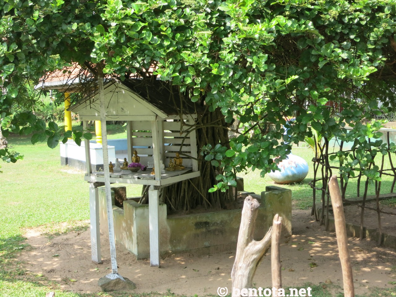 Awanhala Beach Bestaurant Bentota