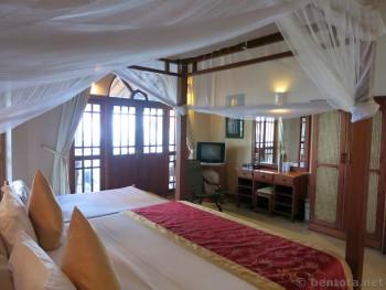 Warahena Beach Hotel Zimmer